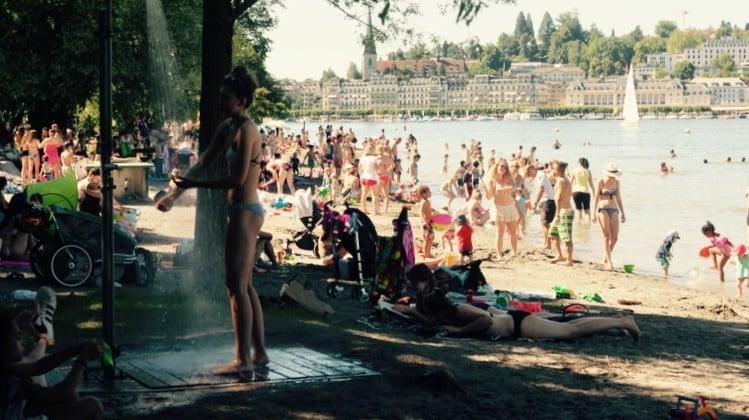 Die «Ufschütti» mit ihrem Sandstrand ist ebenfalls ein beliebter Badeort für Familien.
