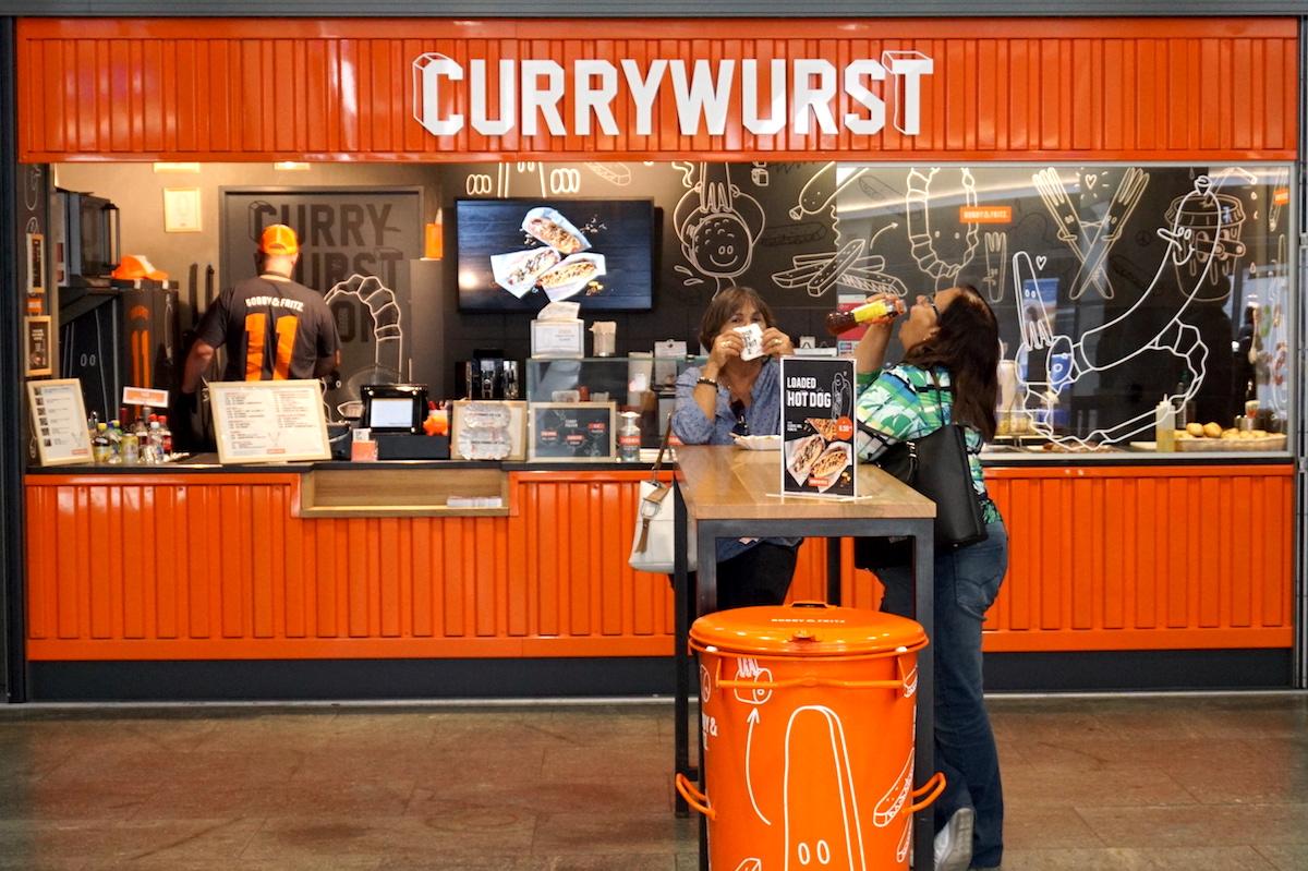 Setzen auf Currywurst und seit kurzem auf amerikanischen Hot Dog: Bobby & Fritz.