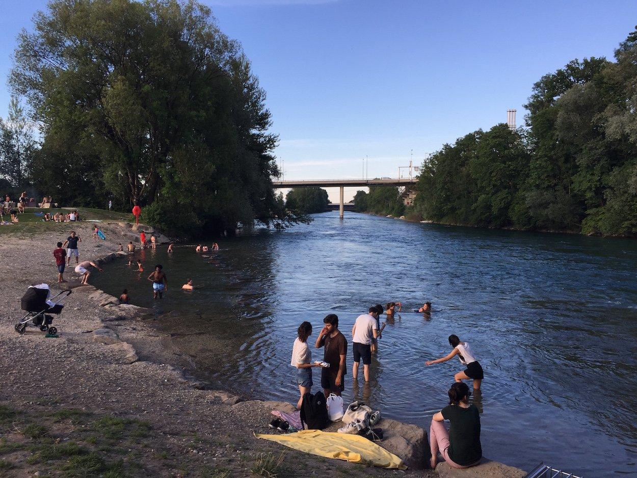 Das Ufer beim Reusszopf: Aussteigen nur für Trittsichere mit Stehvermögen.