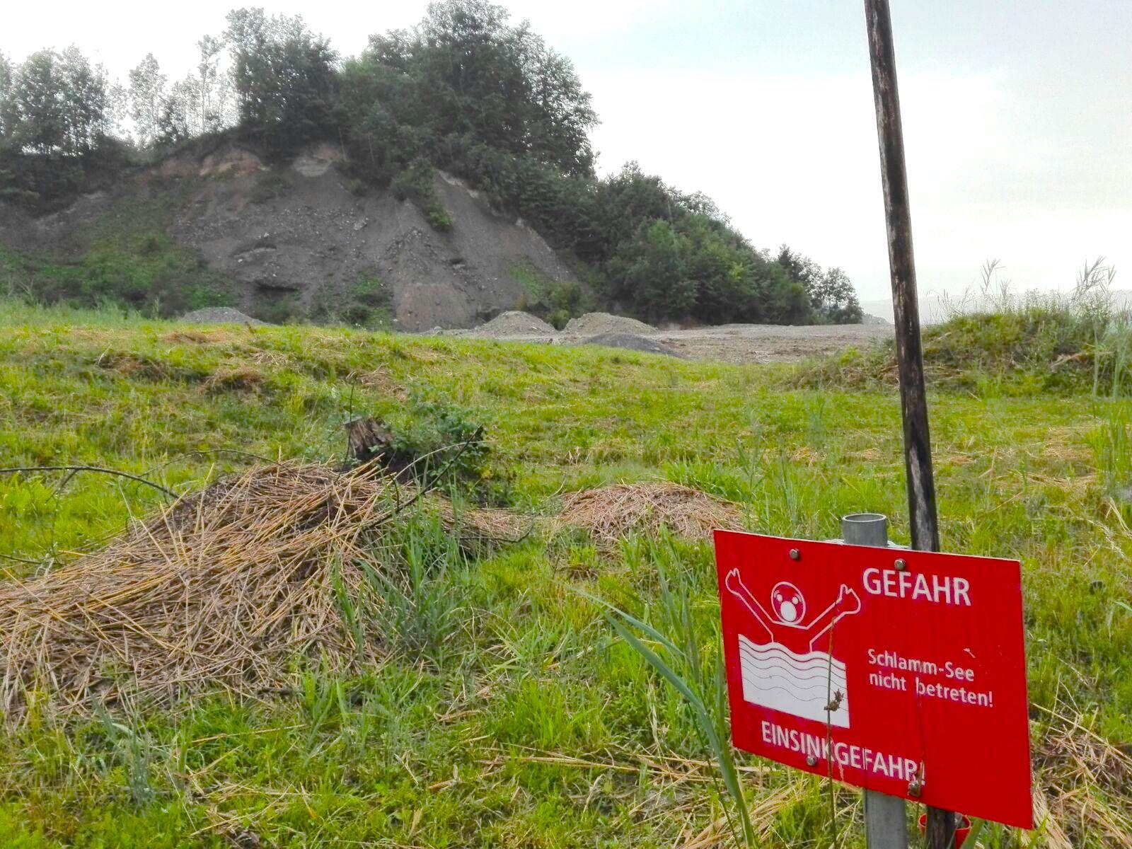 Alte Kiesgrube Chrüzegg: Noch fehlt Material um die einstige Geländeform zu erreichen.
