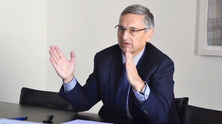 Regierungspräsident Guido Graf untermauert seine Argumente.