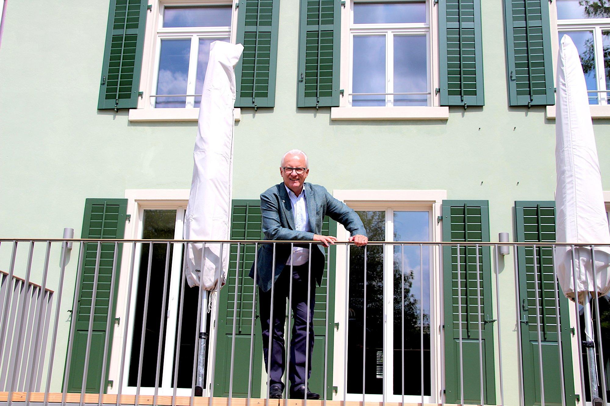 Stolz auf den Umbau des Baarer Schwesternhauses: Gemeindepräsident Andreas Hotz.