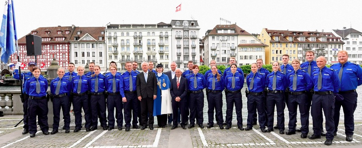 Ende März durfte Regierungsrat Paul Winiker 23 neue Polizisten vereidigen.