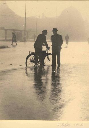 Bahnhofplatz Luzern, 1945 (Bild: Rudolf Zelger-Troller © Stiftung Fotodokumentation Kanton Luzern)