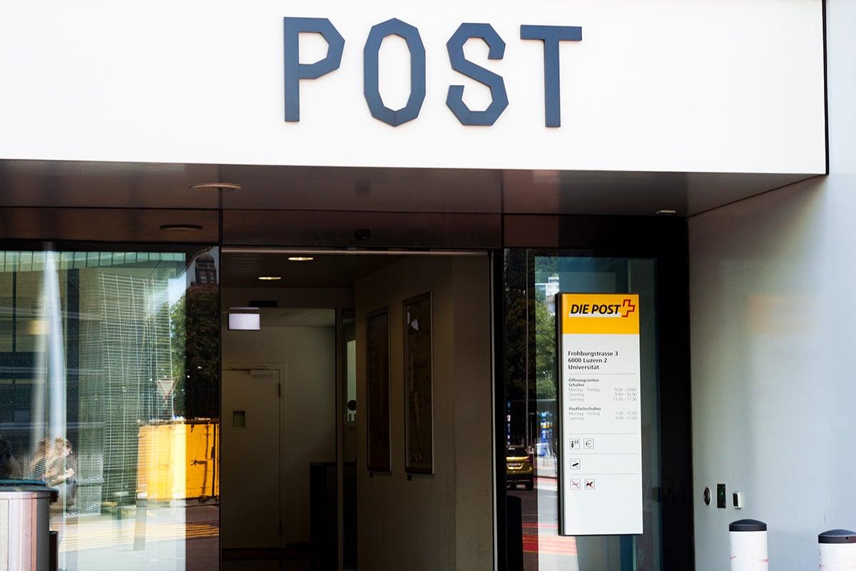 Die Poststelle bei der Universität Luzern.