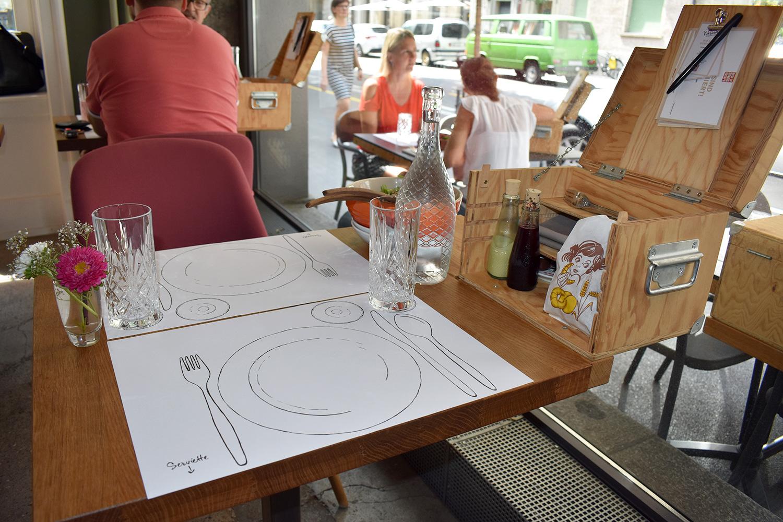 Tisch im Restaurant «Zur Werkstatt.»