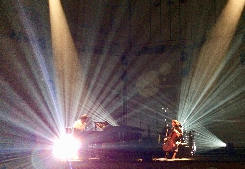 Bei der Zugabe gab's eine Nummer mit Piano und Cello.