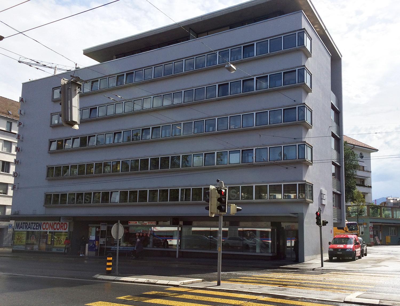 In diesem Haus im Parterrelokal rechts ist das neue Lokal «Paulusplatz 73» geplant.