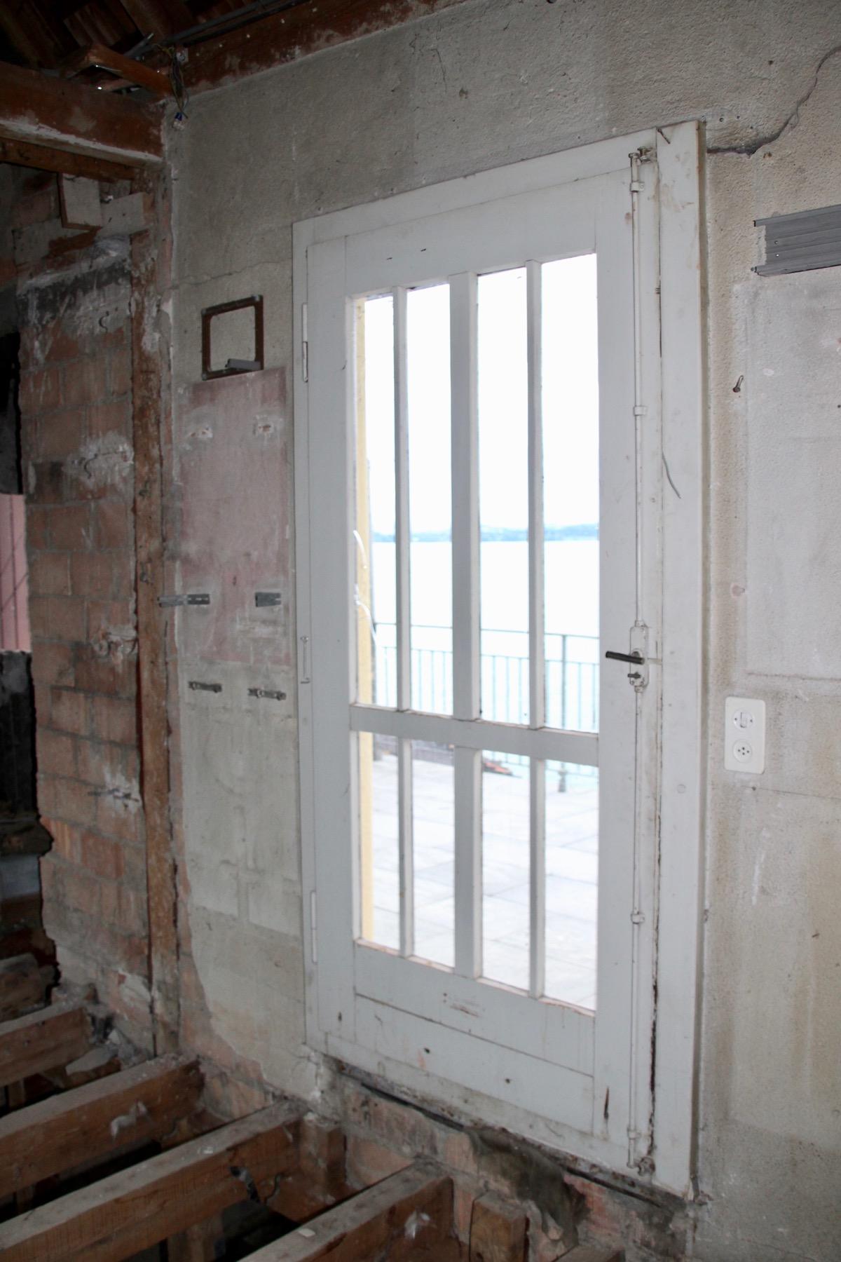 Die verlockende Tür zur Dachterrasse. Leider ist diese nur für Schwindelfreie erreichbar.