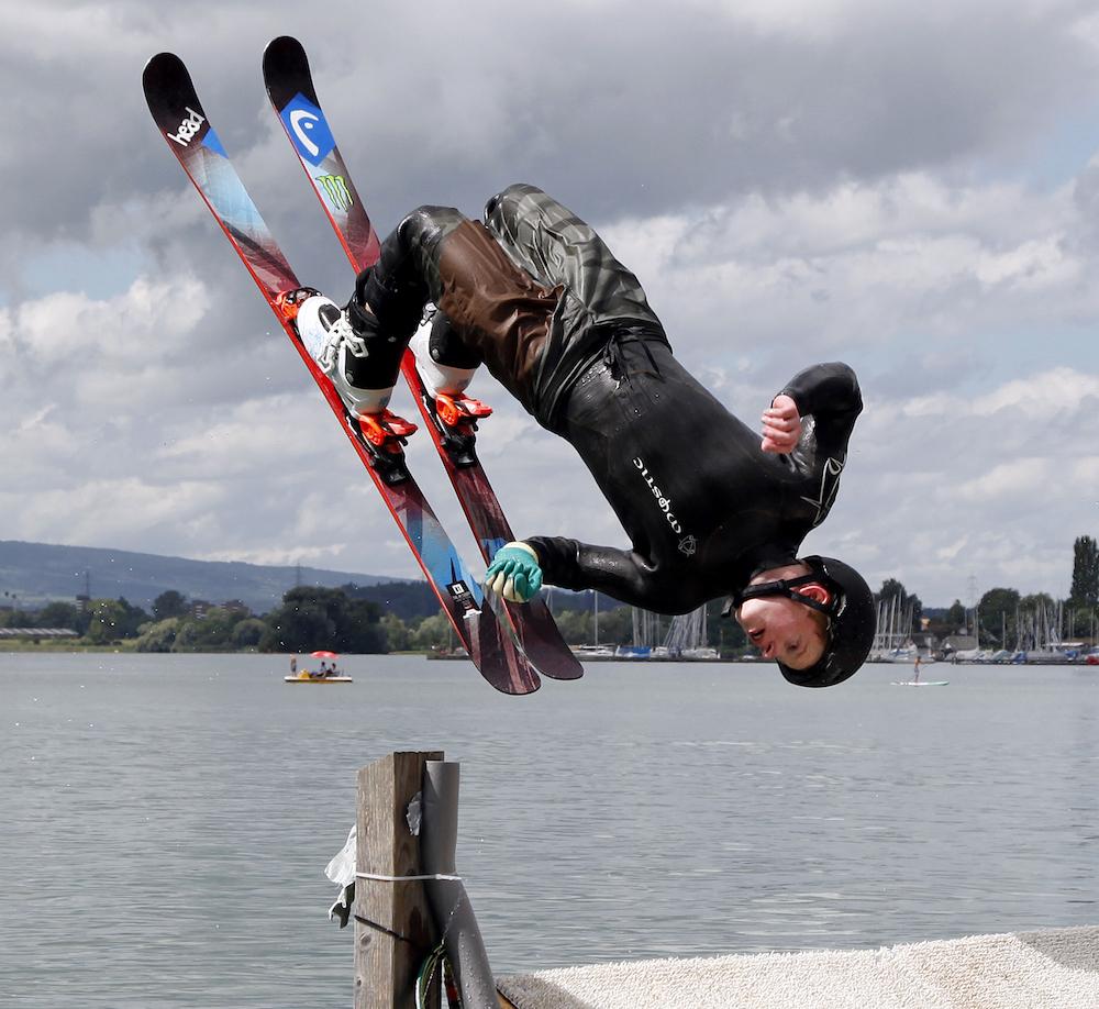 An der «Lake Jump Show» werden die Athleten über eine Rampe in den Zugersee fliegen.