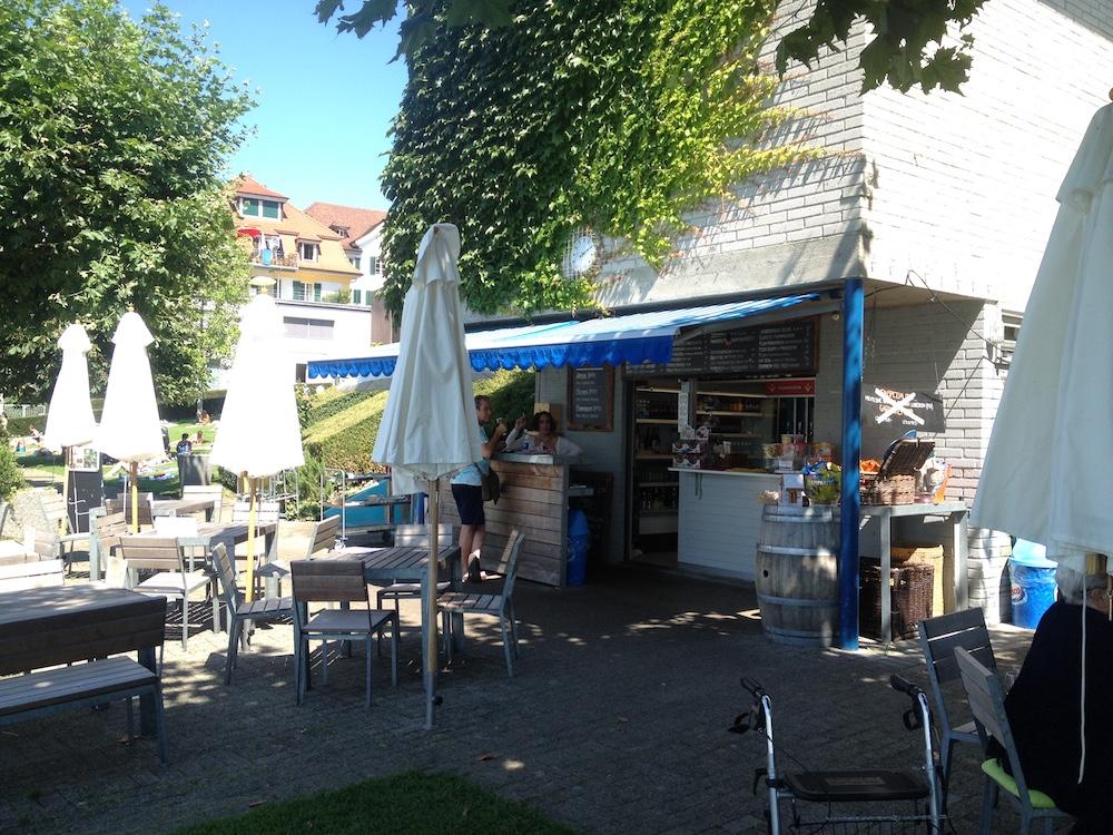 Kulinarisches Zentrum: Das Bistro im Seebad Seeliken.