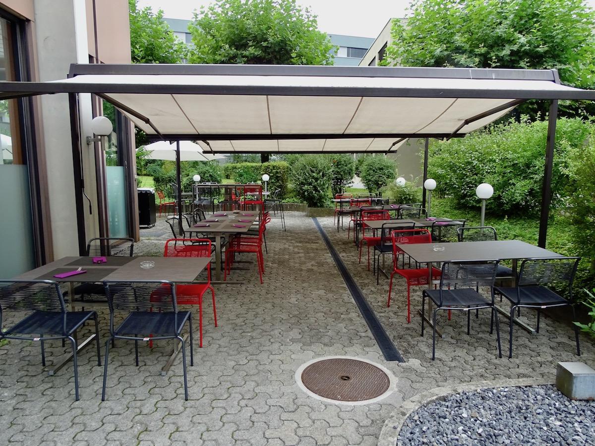 Die Terrasse wurde zur Eröffnung des «Prélude» mit neuen Möbeln bestückt.