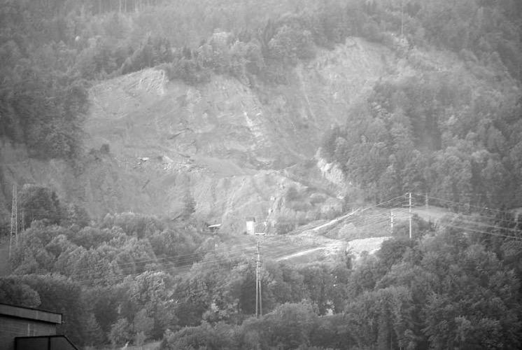 Bild der Mergelgrube Grisigen aus dem Horwer Gemeindeinformationsmagazin «Blickpunkt» aus dem April 2006