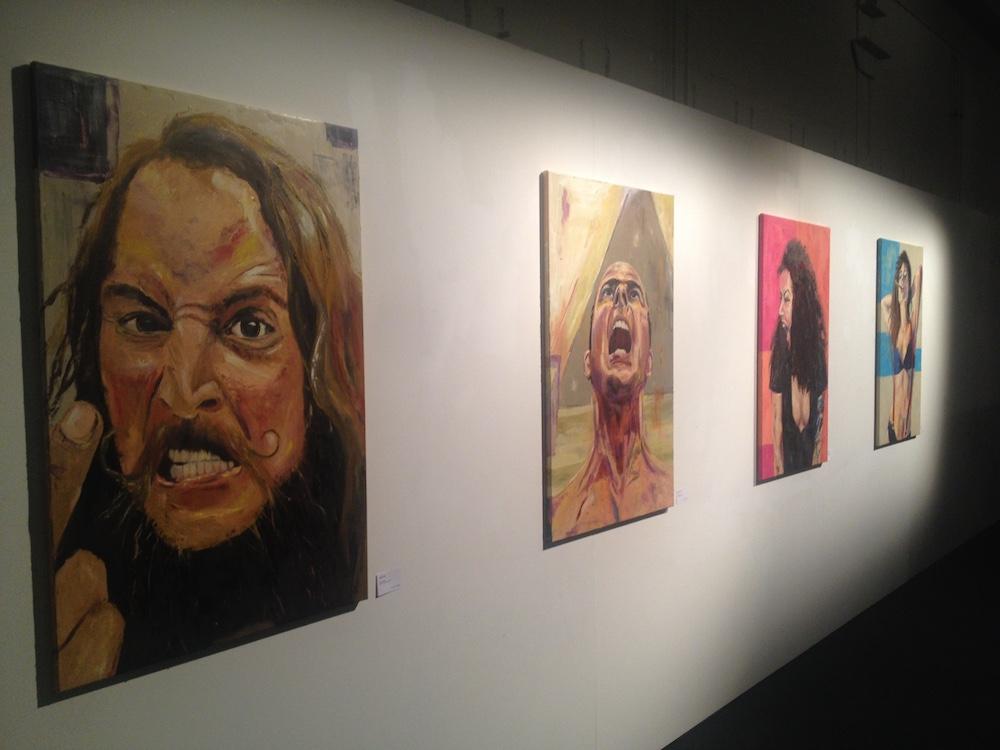 Menschen am Limit: Porträts wütender und schreiender Mitglieder des Atelier63 auf Öl.