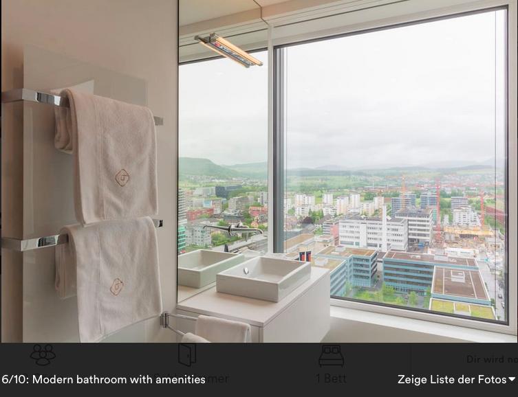 Die Aussicht aus dem Bad der Park Tower-Wohnung.