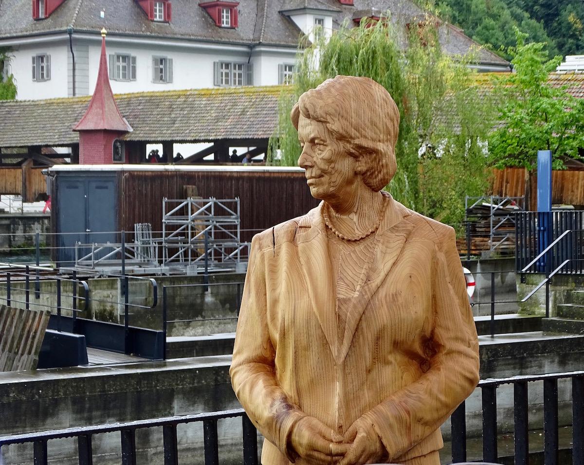 Del Ponte wacht nun am Luzerner Mühleplatz.