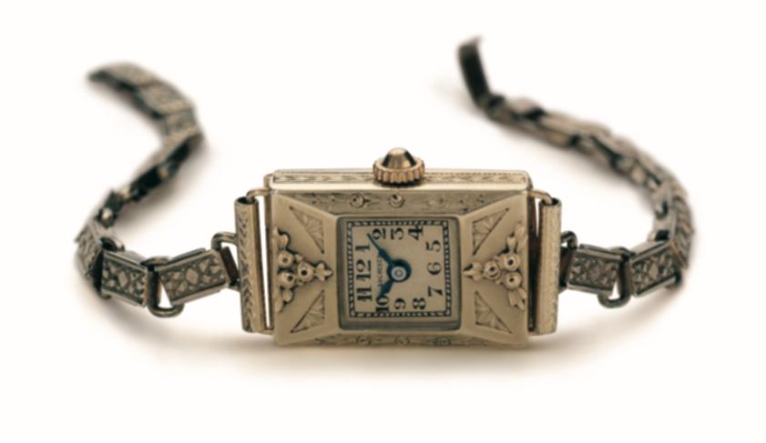 Eine der ersten Damenarmbanduhren von Carl F. Bucherer.