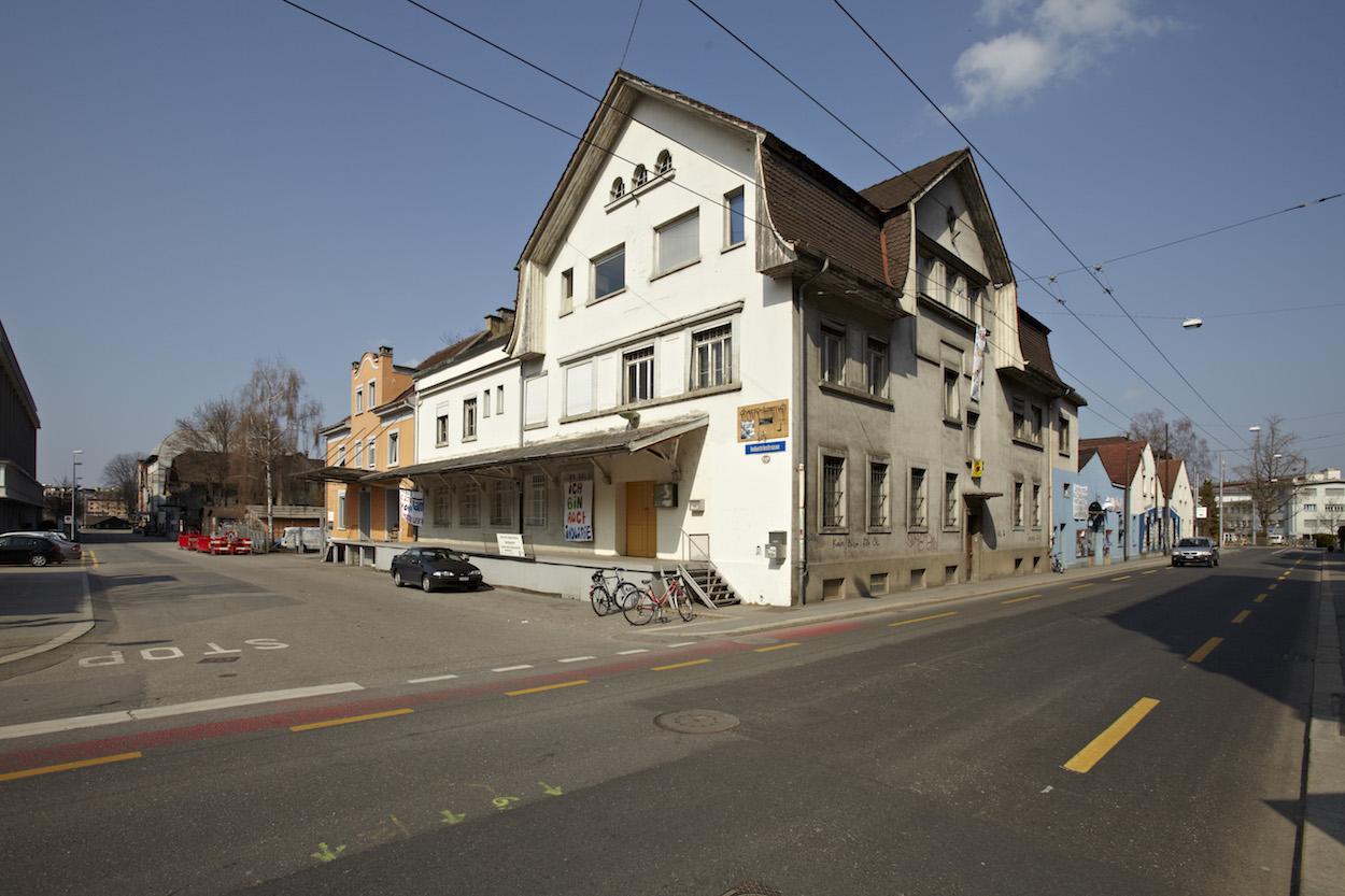 Gehört weiterhin der Stadt: Das Areal rund um die Industriestrasse wurde den Wohnbaugenossenschaften im Baurecht abgegeben.