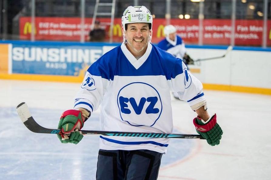 Dem ehemaligen kanadischen Hockeyspieler Wes Walz gefällts offenbar auf dem Eis.