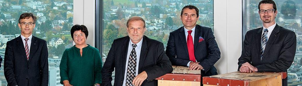 Der Zuger Stadtrat: V.l. Karl Kobelt (FDP), Vroni Straub (CSP), Stadtpräsident Dolfi Müller (SP), André Wicki (SVP) und Urs Raschle (CVP). Müller will 2018 nach 16 Jahren im Stadtrat aufhören.