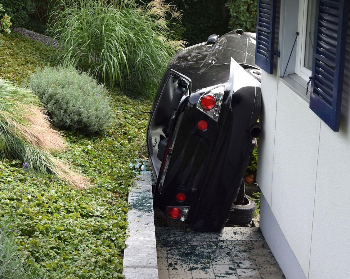 Sieht aus wie eine Kunstinstallation: Unfallort in Ruswil.
