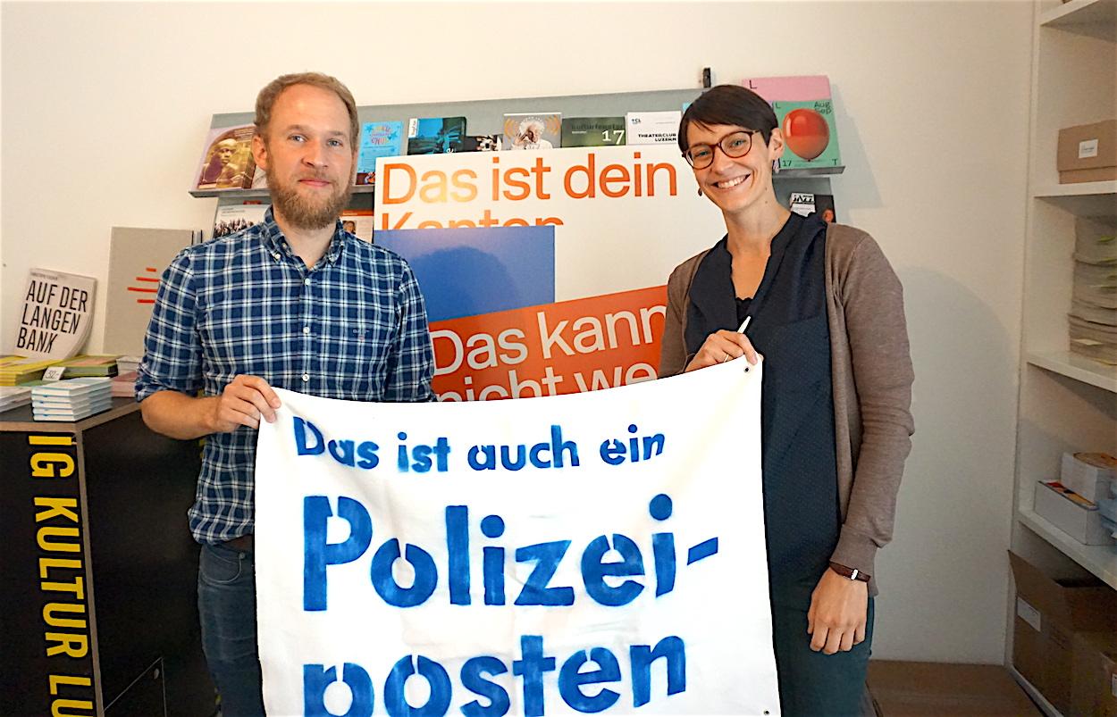 Marcel Budmiger und Eva Laniado wollen mit dem Aktionstag Politiker und Bevölkerung wachrütteln.