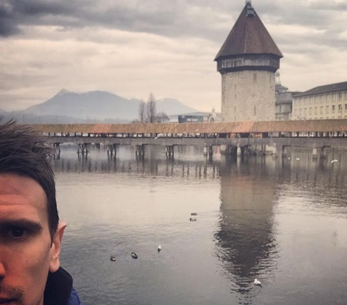 Heimweh-Luzerner und gerne am See: der Profihandballer als Tourist auf Instagram.