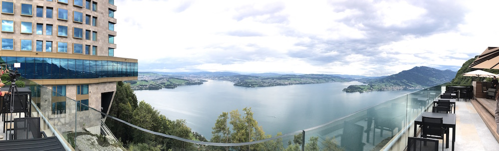 Der Panoramablick von der Terrasse aus.