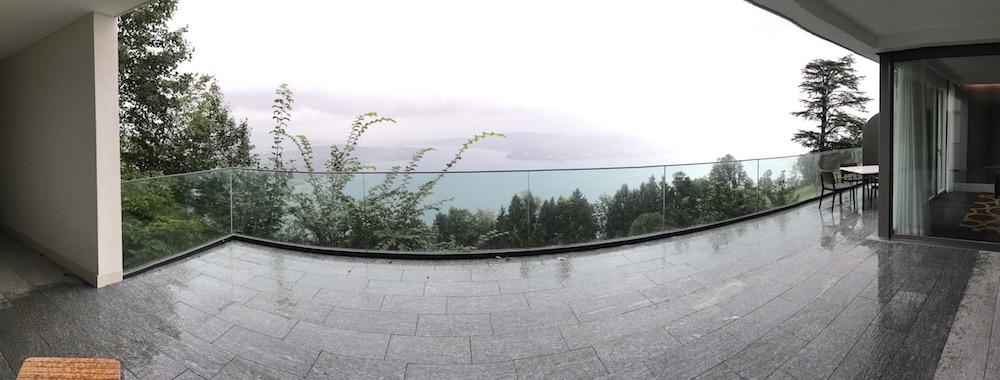 Der Panaromablick von der Terrasse der Suite aus.