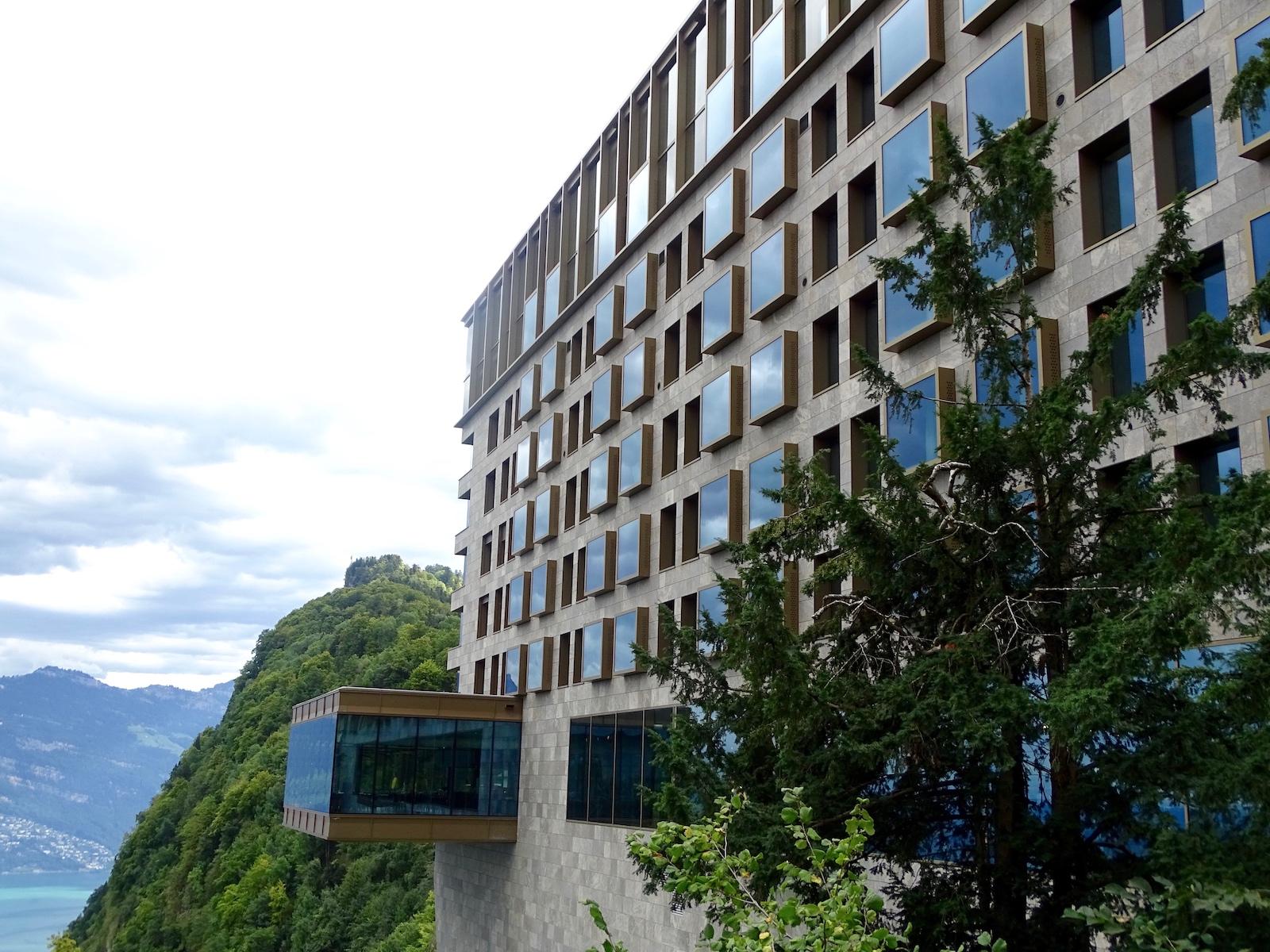 Das frisch eingeweihte Bürgenstock Hotel von aussen.