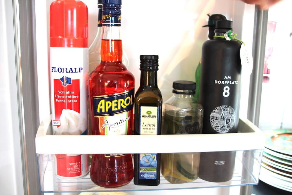 Food-Impression aus dem Kühlschrank-Seitenfach.