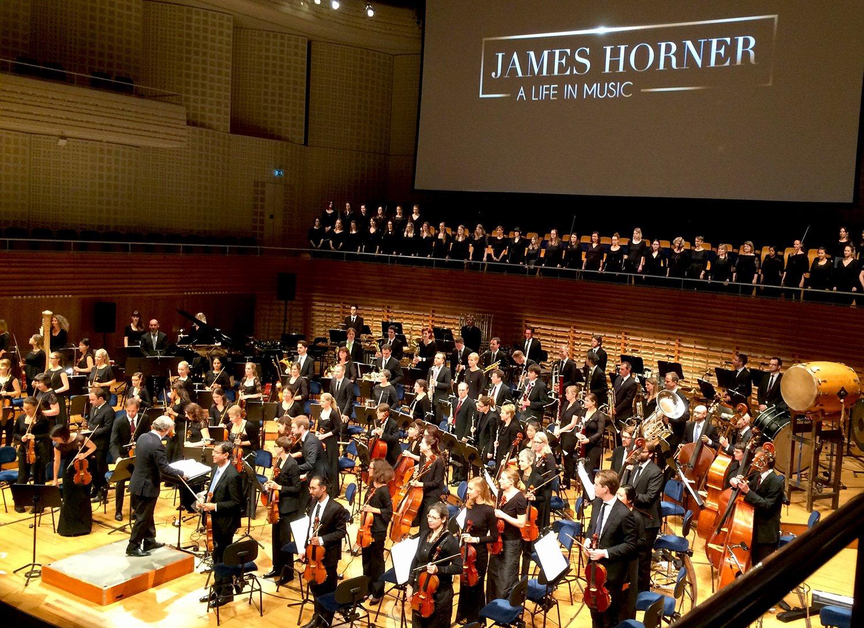 Das 21st Century Orchestra unter der Leitung von Ludwig Wicki im KKL.