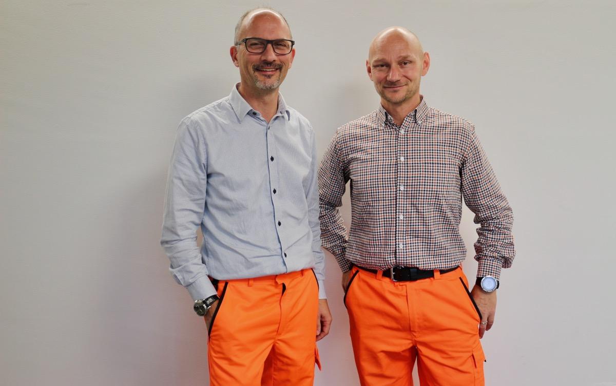 Romeo Zemp (l.) und Markus Bochsler von den SBB: Oben im Hemd, unten in Sicherheitskleidung.