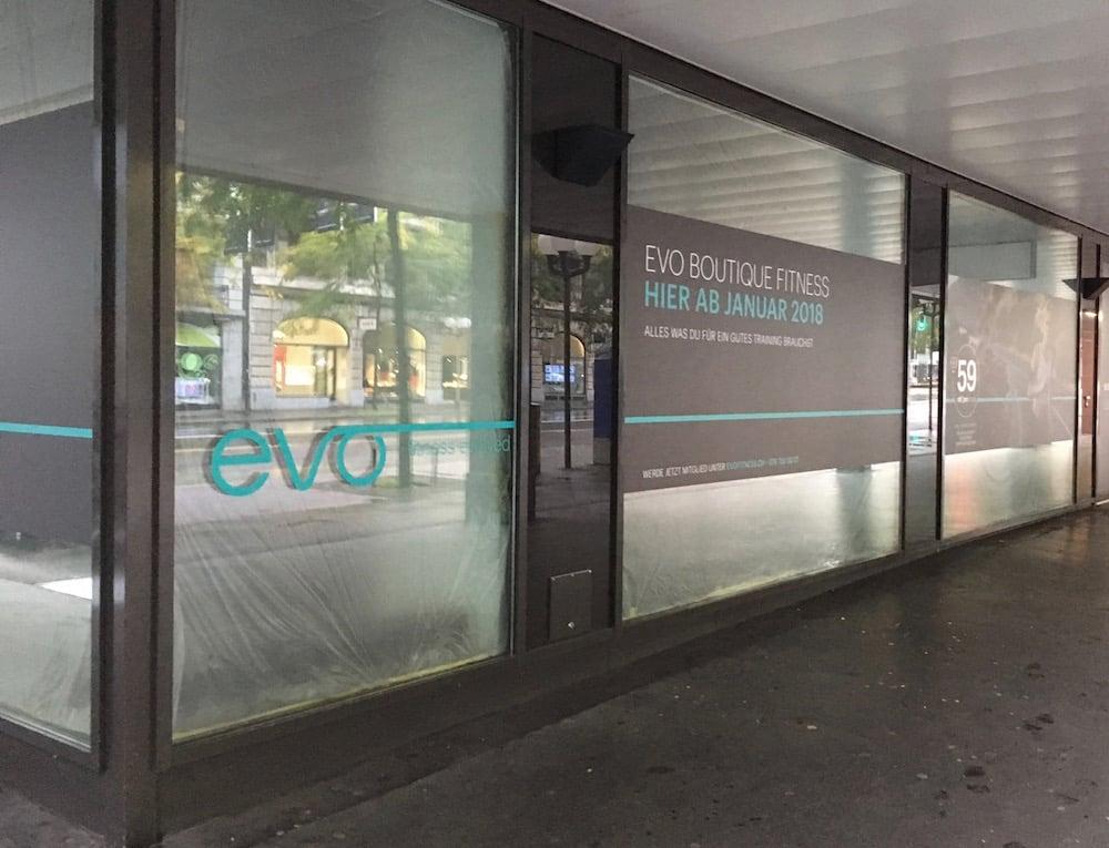 An den Fenstern ist bereits ersichtlich, dass EVO einziehen wird.