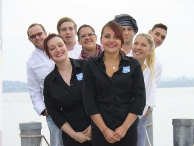 Die Österreicherin Romana Fink (vorne) und ihr Team. Fink leitet den Betrieb seit dem Anfang 2013.