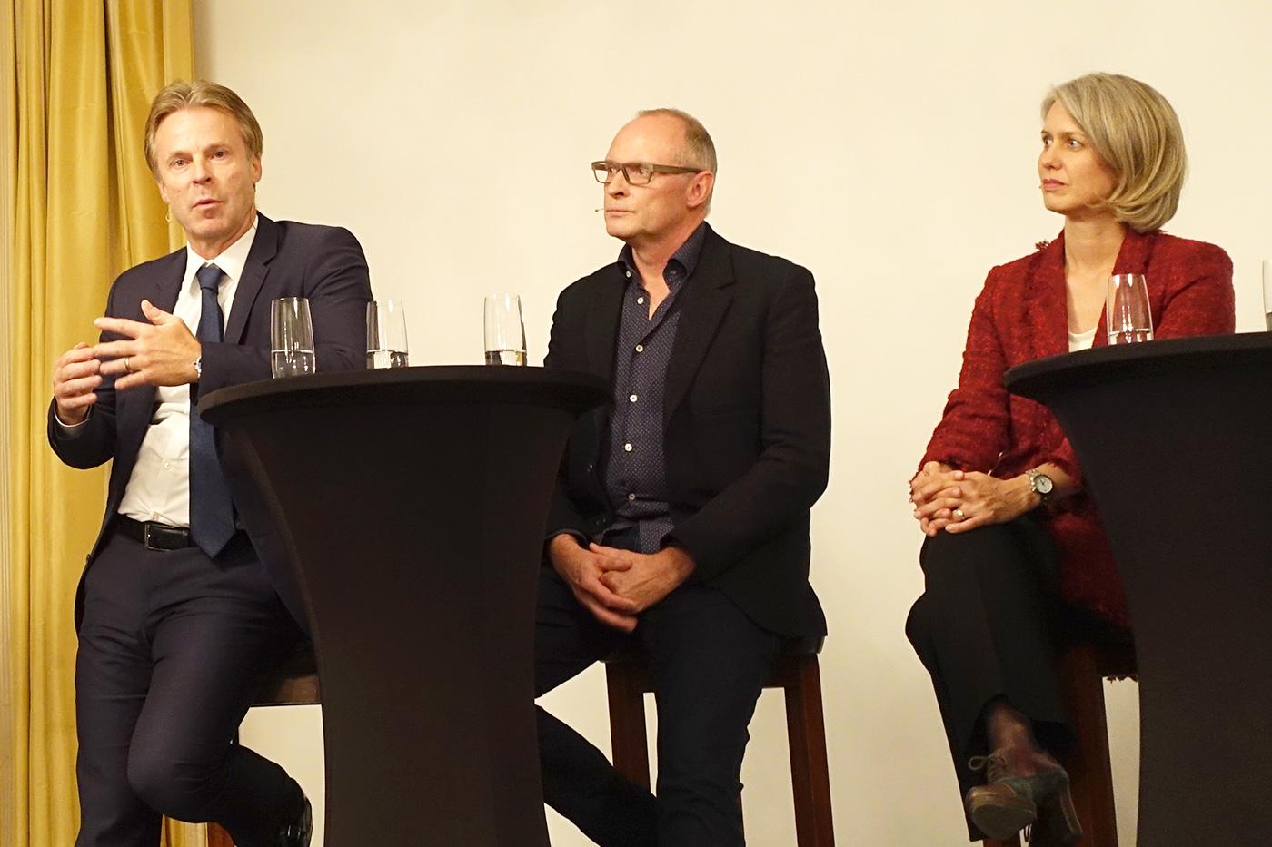 Bucherer-Chef Guido Zumbühl und neben ihm Markus Schulthess (Quartierverein Hirschmatt-Neustadt) und Stadträtin Franziska Bitzi.