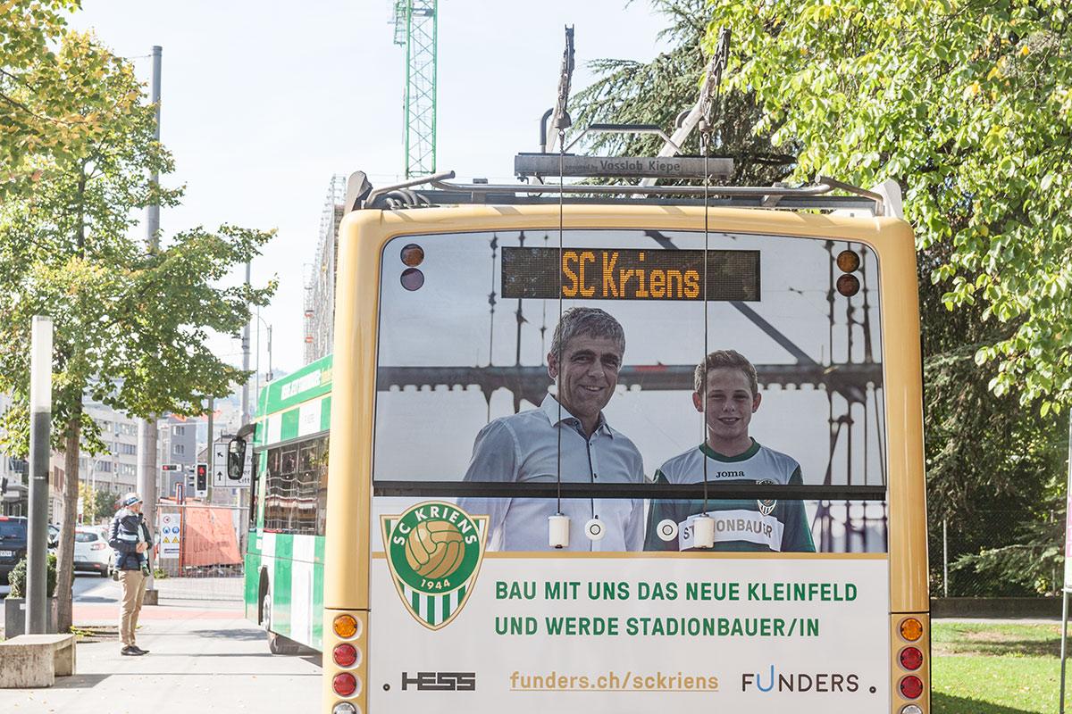 Der neue Stolz der Krienser: Der Bus ganz im Motto des SCK.