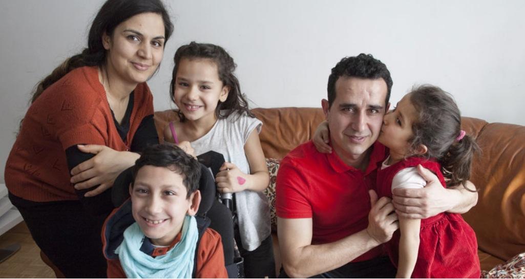 Armutsbetroffene, zum Beispiel Familien mit vielen Kindern, haben Probleme auf dem Wohnungsmarkt.