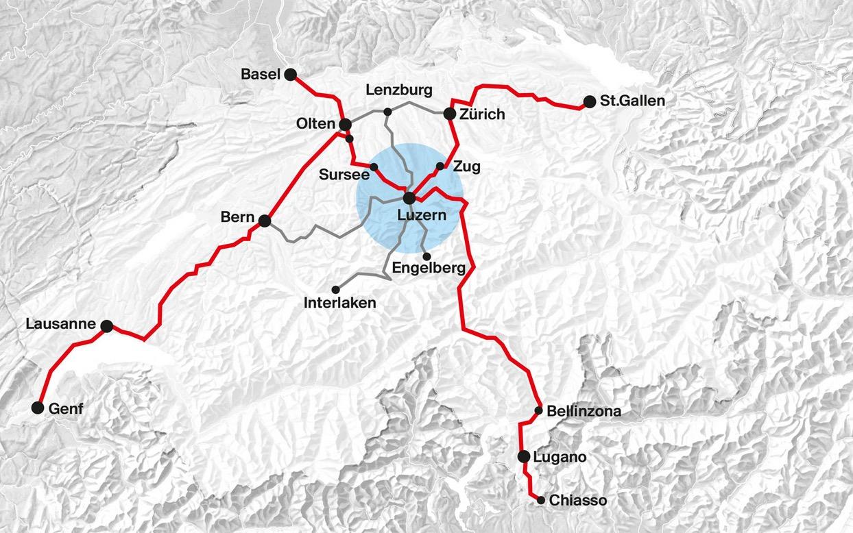 Luzern im Herzen der Schweiz ist auch ein Bahnknotenpunkt.