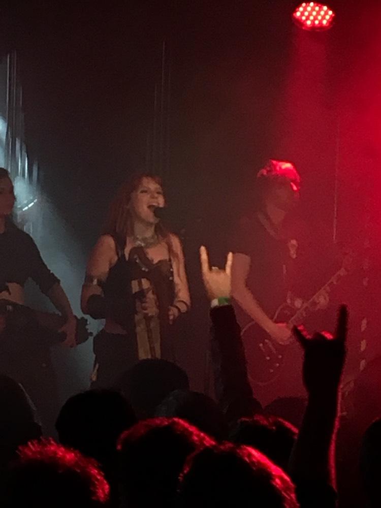 Fabienne Erni ist die neue Sängerin bei Eluveitie. Ihre Feuertaufe in der Galvanik hat sie durchaus bestanden.