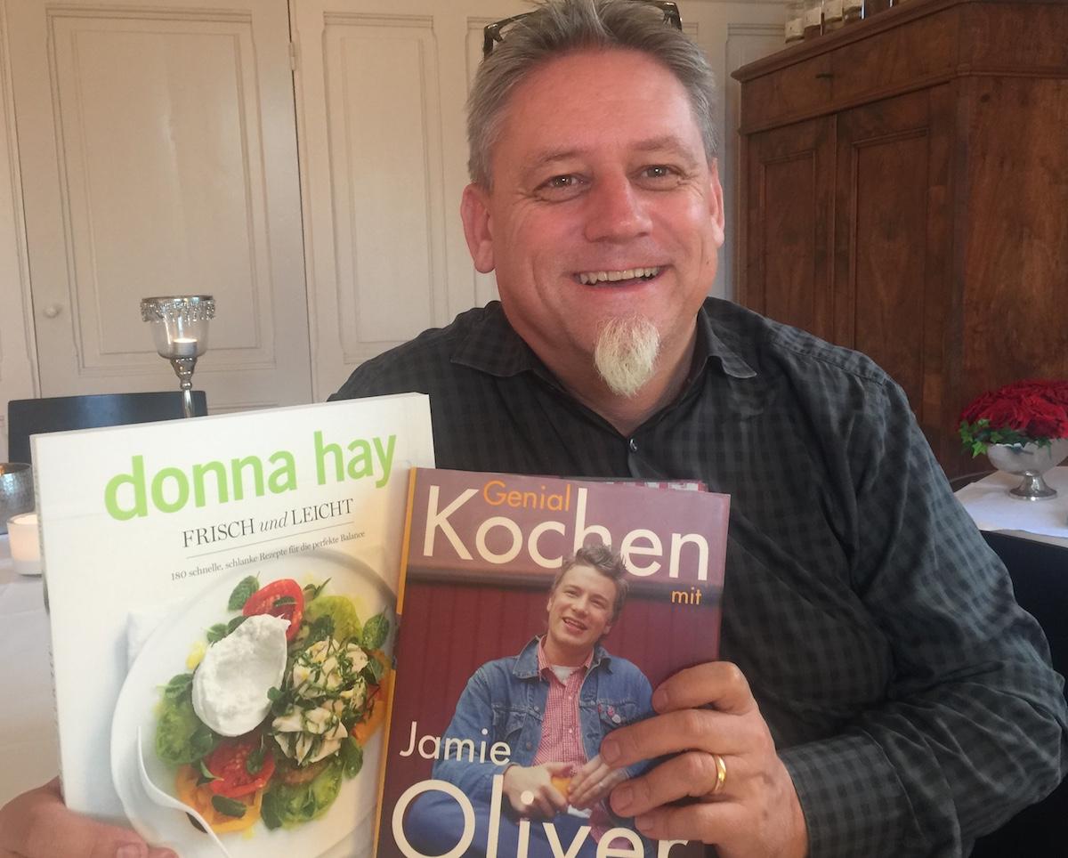Der Mann hört nicht nur Musik, nein, er lässt sich auch von den Grossen der Kochkunst inspirieren.
