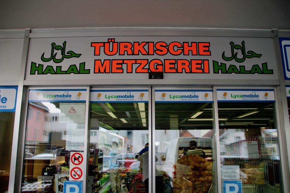 In Cham befindet sich die einzige Halal-Metzgerei im Kanton.