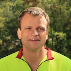 Förster Vitus Hürlimann bestätigt die gute Ernte.
