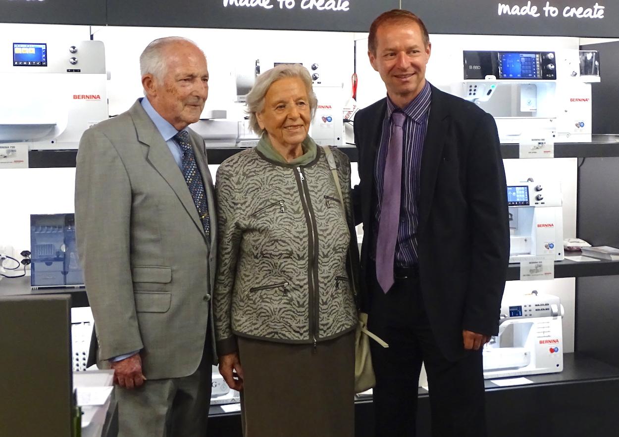 Familienunternehmen seit 125 Jahren: Anton und Marlis Vonarburg mit ihrem Sohn, dem jetzigen CEO Peter Vonarburg.