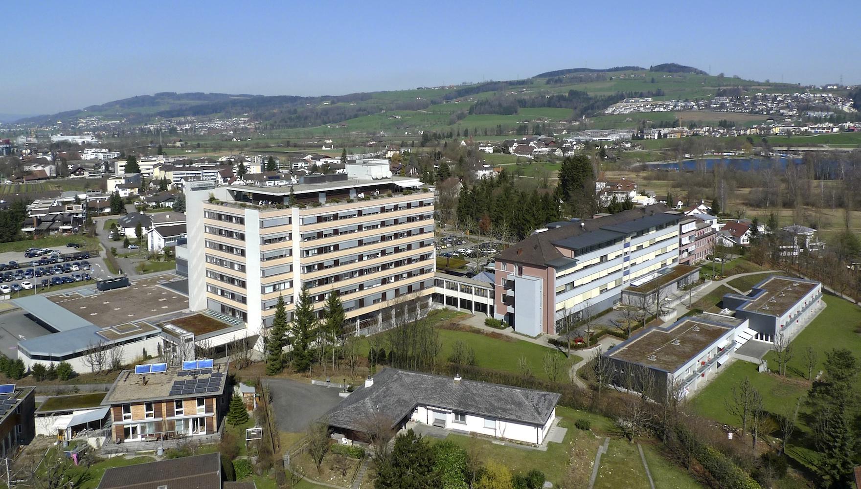 In der Stadt und doch halb im Grünen: Luzerner Kantonsspital Sursee.