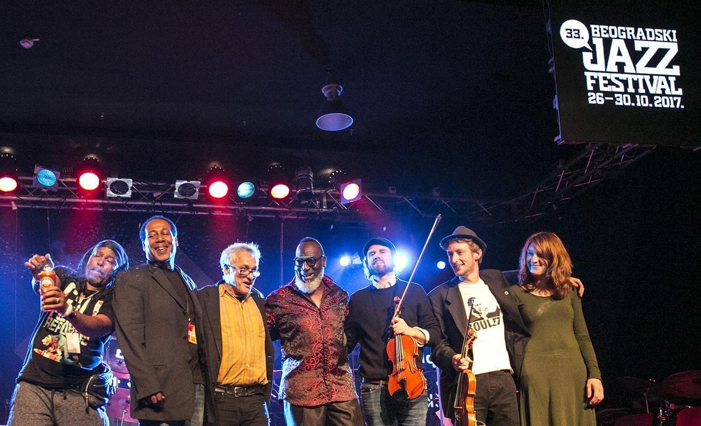Freitag, 27.10., 23.59 Uhr: Ulica Decanska – Jazzfestival Belgrad im Dom Omladin.