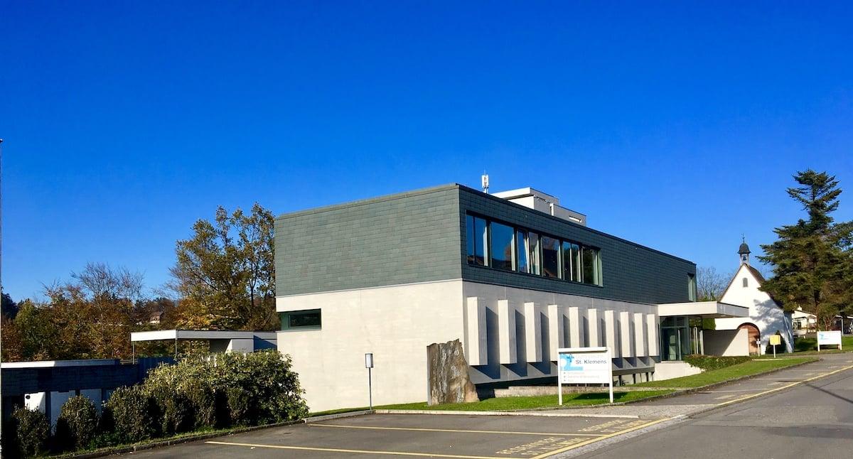 Das Gymnasium St. Klemens an der Kaspar-Kopp-Strasse in Ebikon.