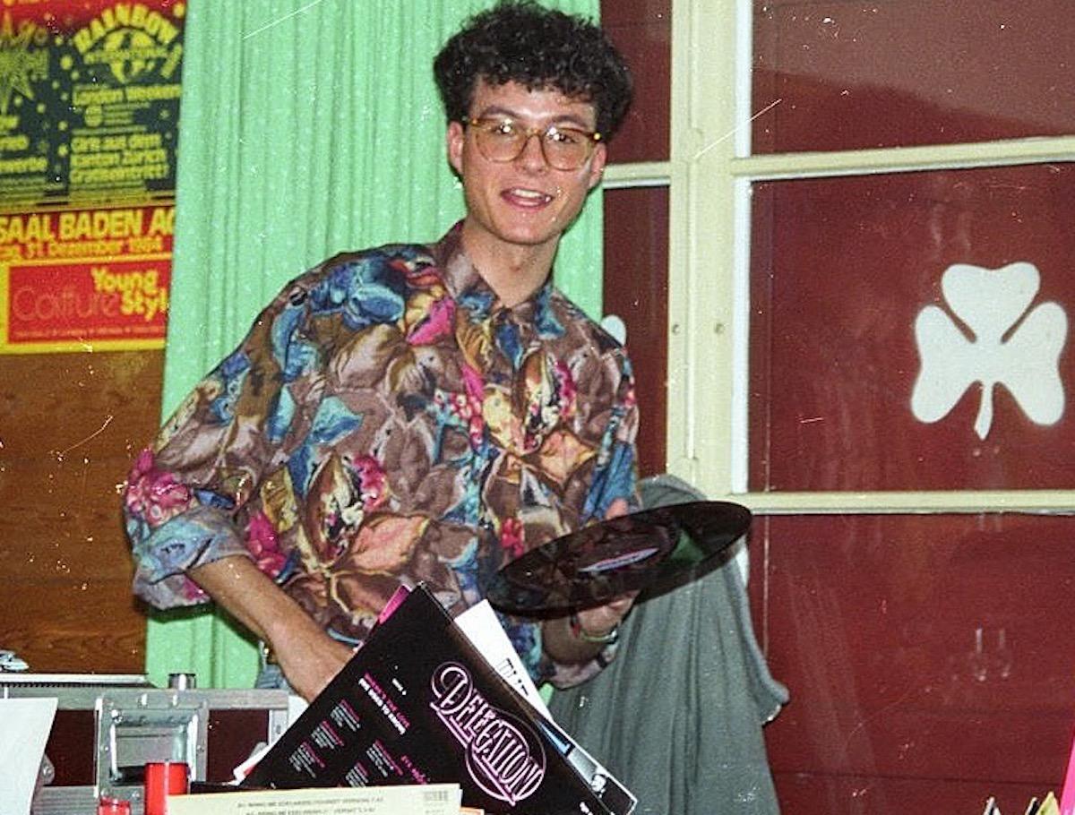 ... und einst, 1984, im schicken Hawaiihemd.