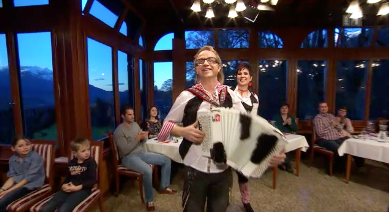 Willkommene Bühne: Volksrocker Willy Tell zu Gast der SRF-Sendung «Samschtig Jass».