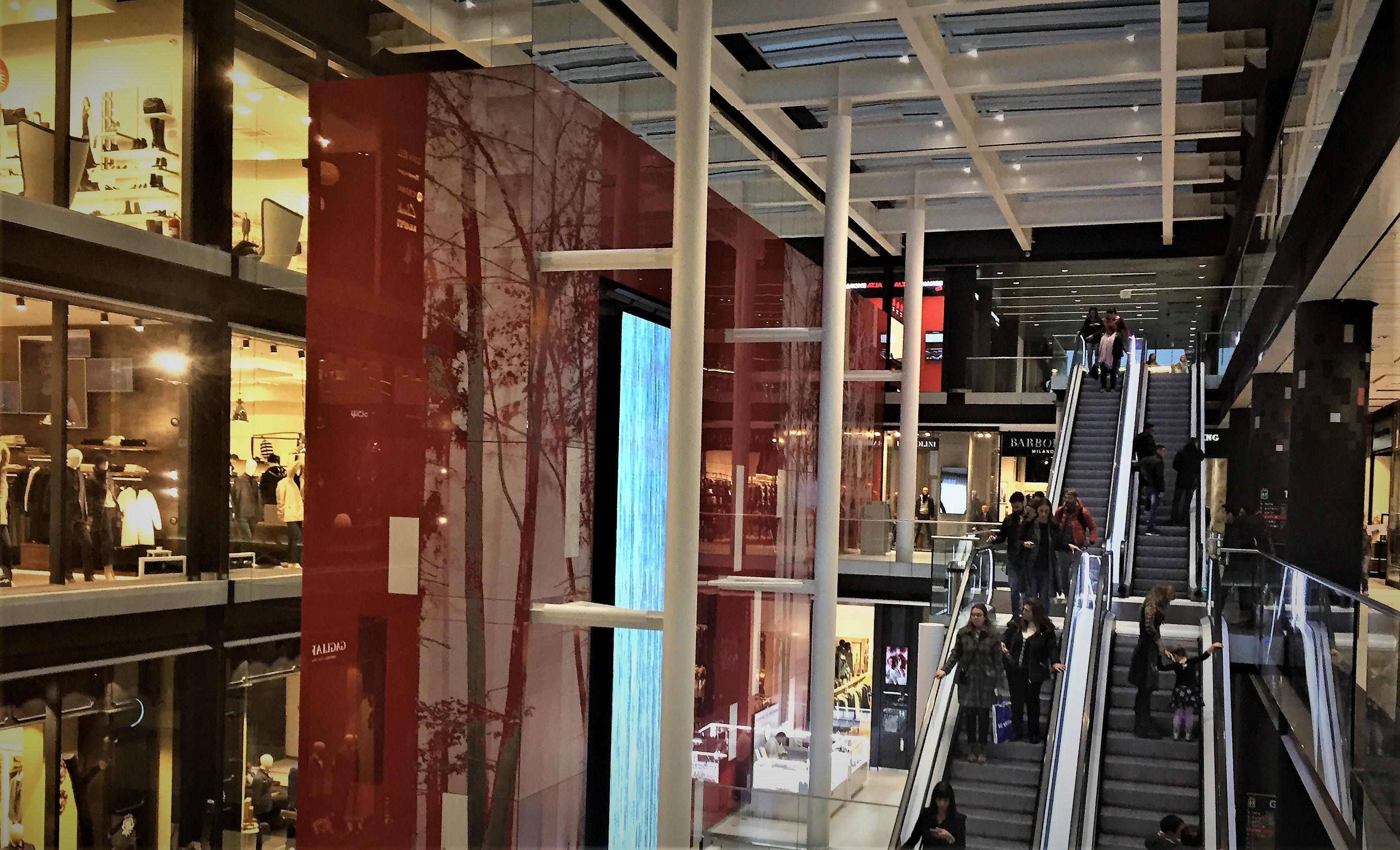 Ulica Kneza Mihundail: Das Warenhaus mit vielen Modeketten.